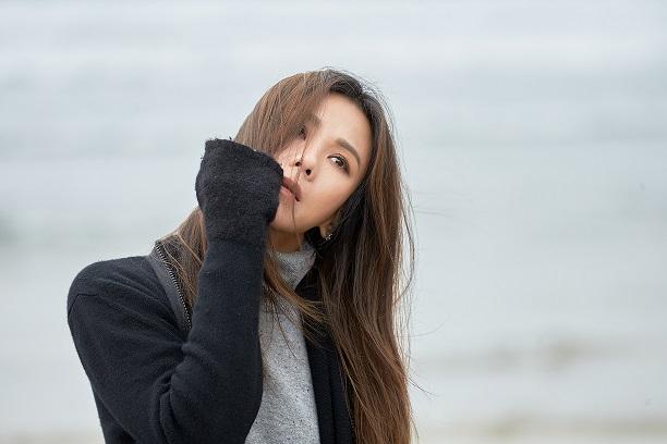 Tanya蔡健雅全新MV《原谅》本周计划推出 《我要给世界最悠长的湿吻》黑胶即将发行