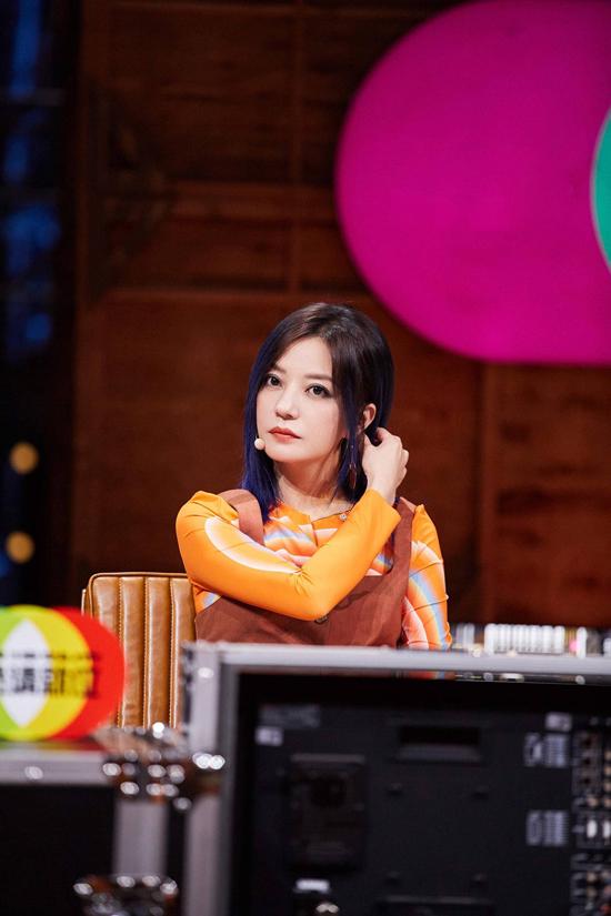 《演员请就位2》第二期播出 赵薇谈网络暴力引发热议