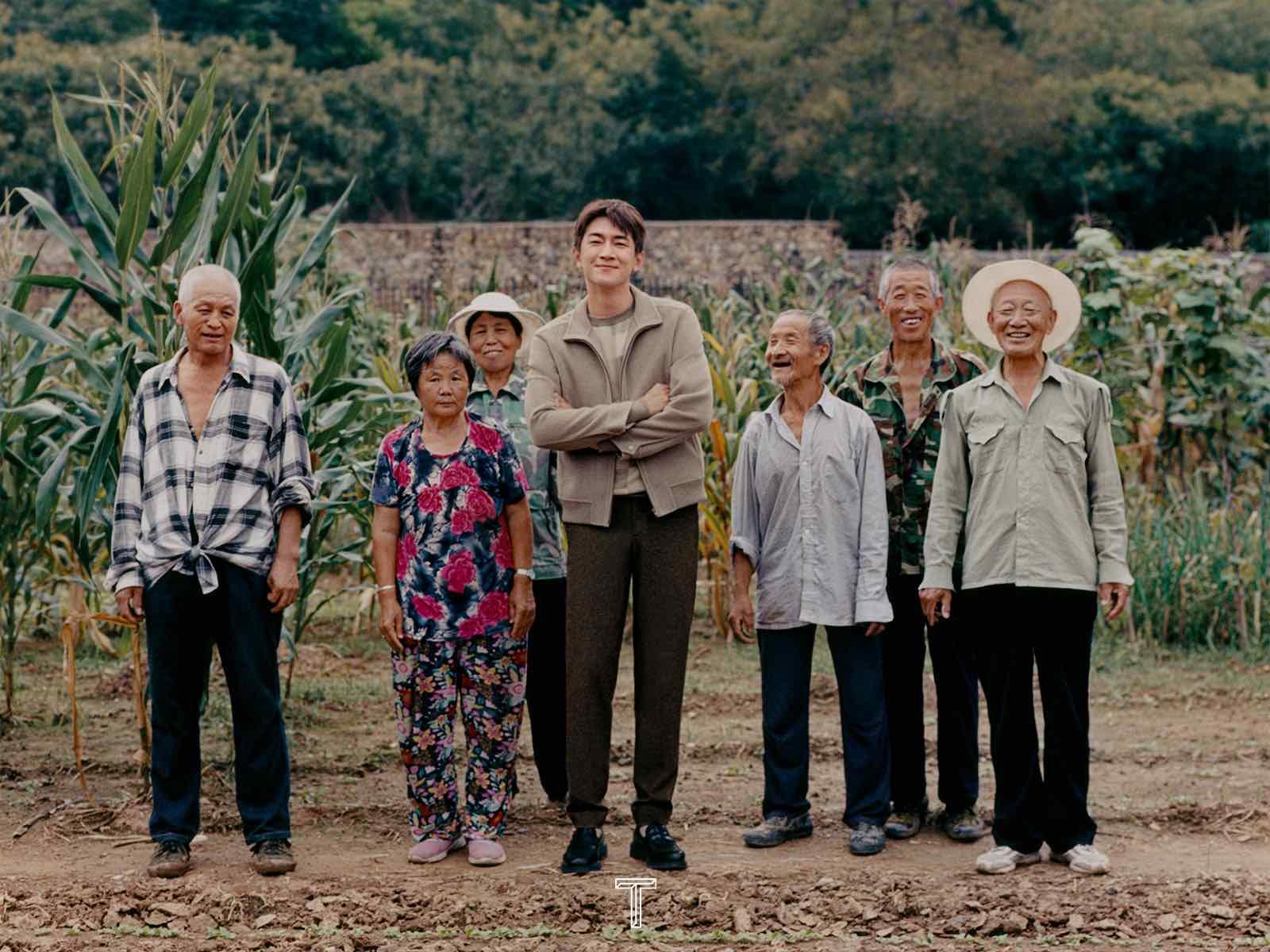 林更新登《T magazine》九月刊 演绎质朴自然田园大片